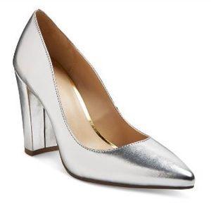 👠NWT DV Women's Brie Block Heel Pumps- Silver